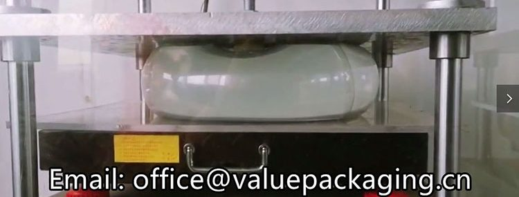 antipressure-test-on-clear-bag-in-box-cheertainer