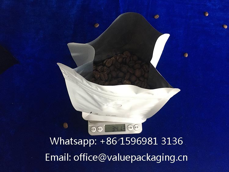 filled-level-12oz-coffee-bag-box-bottom