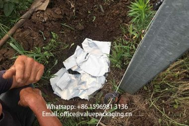 Metallized-paper69gsm-PLA40-foil-buried-in-soil